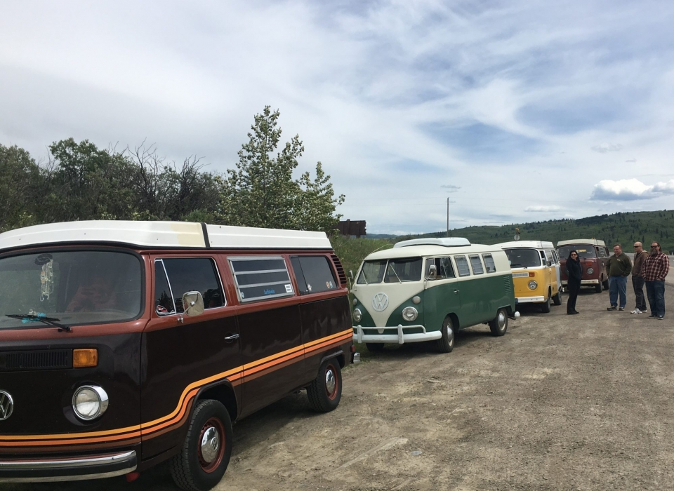 TRAVELLING TYPE II's – CALLING ALL VW BUSES!